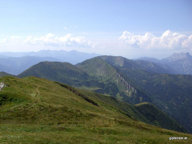 Blick nach Westen bis zu Admonter Reichenstein und Kaibling