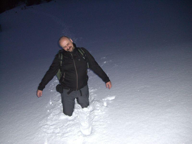 ...doch zuvor spielt Orotl noch ein wenig im Schnee.