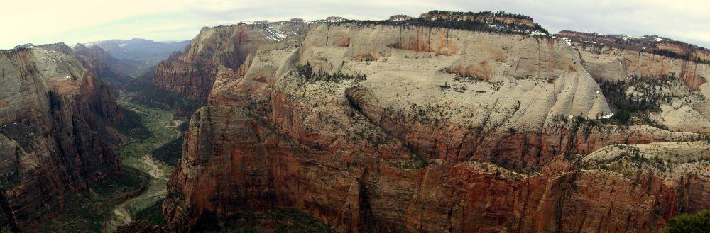 Der Zion Canyon vom Observation Point aus gesehen