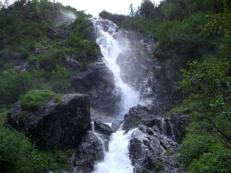 Wasserfall unterhalb der Hütte