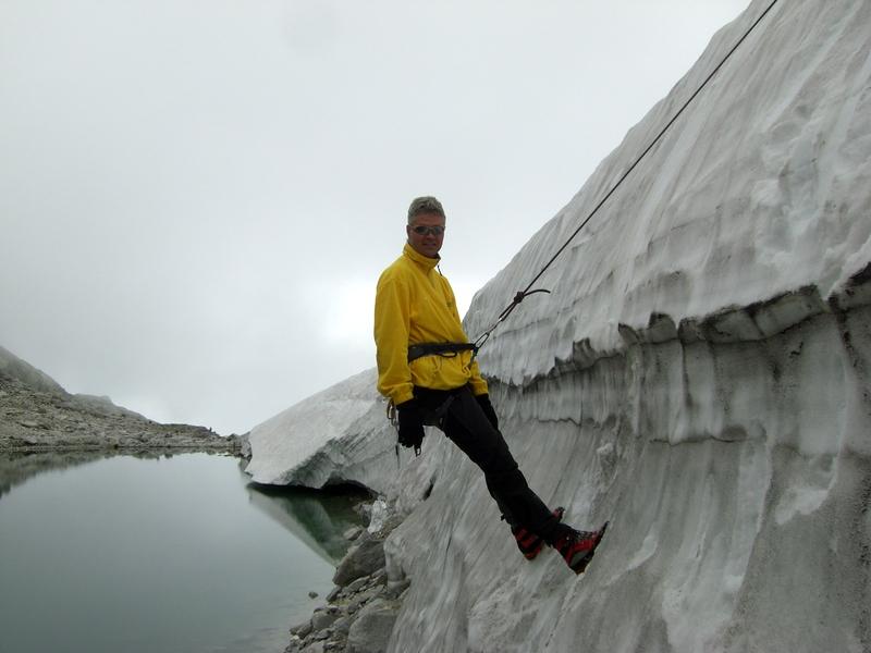 Ganz bequem so ein improvisierter Gletscherspalt