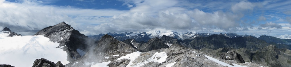 Gipfelpanorama mit bewölktem Großvenediger