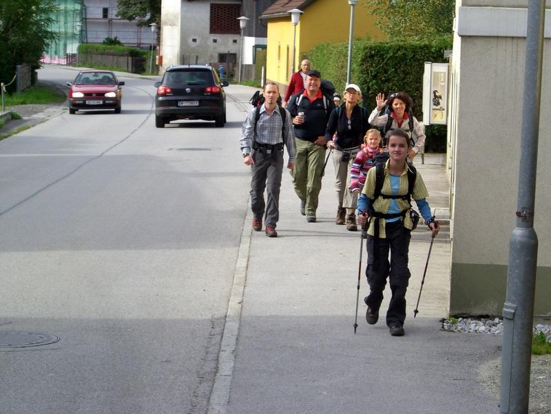 Und los geht's in Mitterdorf: Auf zur Hundskopfhütte...