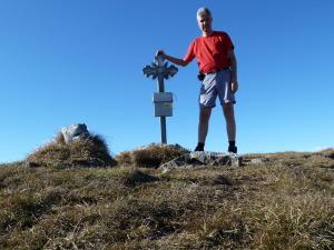 Das kleine Gipfelkreuz am Wildfeld (2043m)