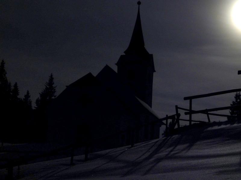 Maria Schnee bei Mondschein