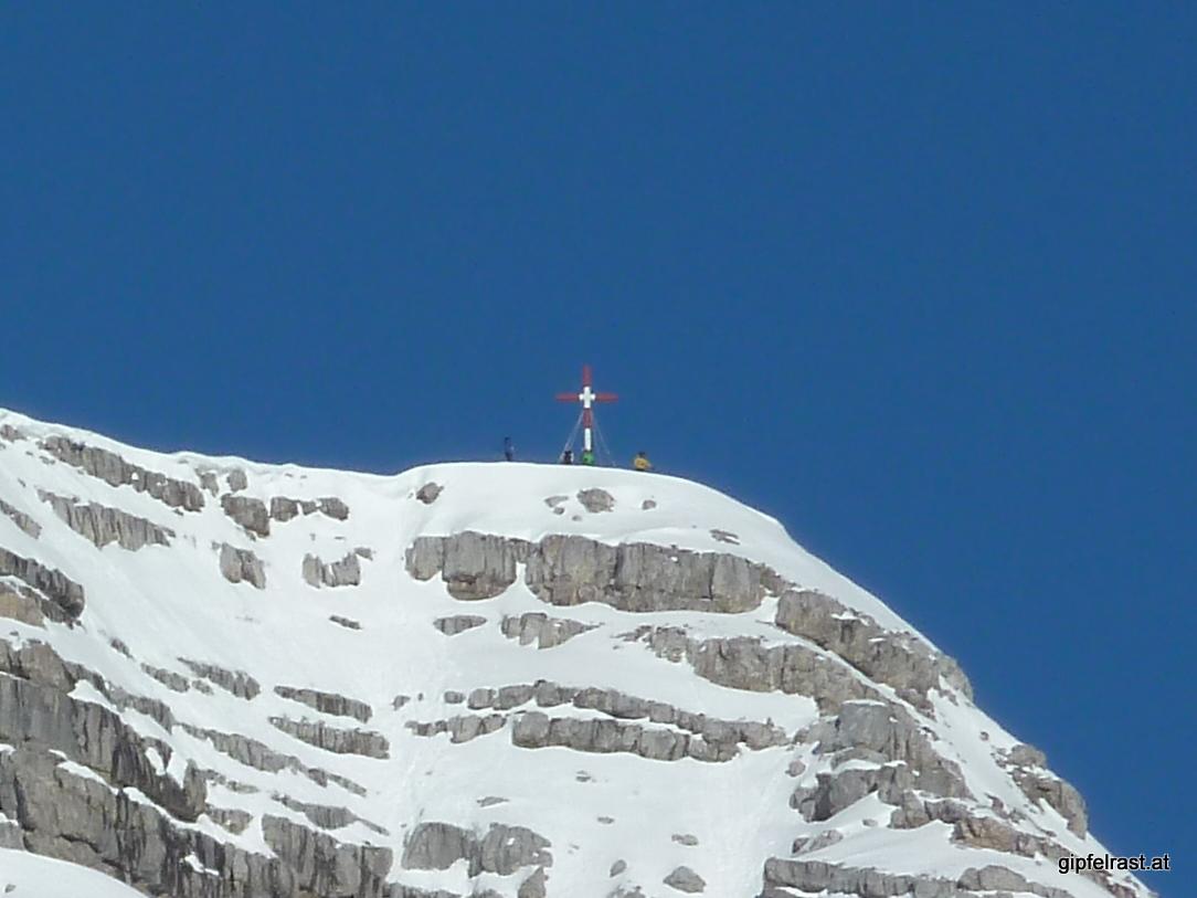 Skitourengeher am Gipfel des Warschenecks