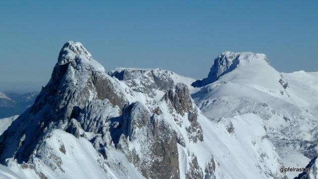 Spitze und flache Gipfel