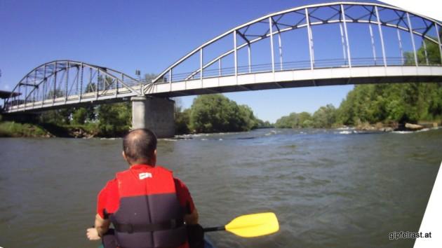 Die Brücke verbindet Mureck mit Slowenien