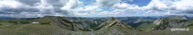 360° Panorama vom Schusterstuhl - Regen im Süden, blauer Himmel im Norden