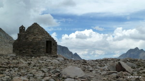 Muir Hut on top of Muir Pass