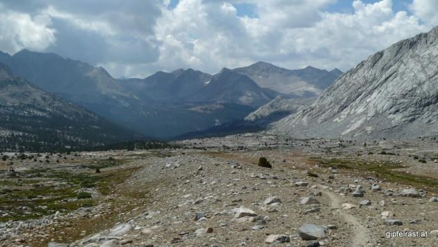 Hiking through the Upper Basin