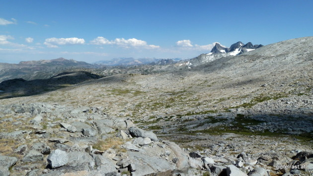 The views are changing, Banner Peak and Mount Ritter in the distance