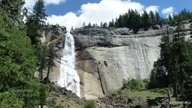 Nevada Fall, seen from the Mist Trail