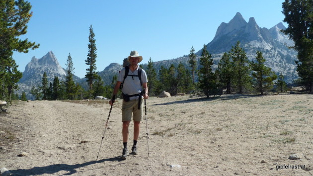 This is the first time the John Muir Trail reaches an elevation of 3000m