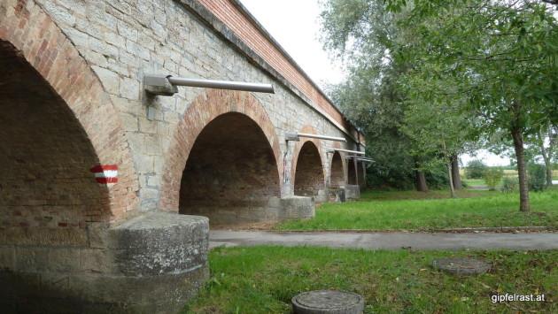 Da fährt die Eisenbahn (Wiener Neustadt - Sopron) drüber