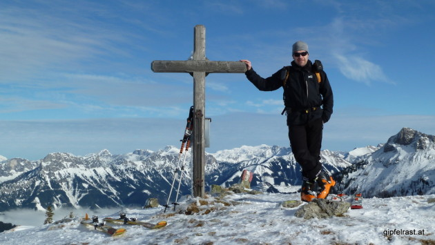 Andreas lässig am Gipfel
