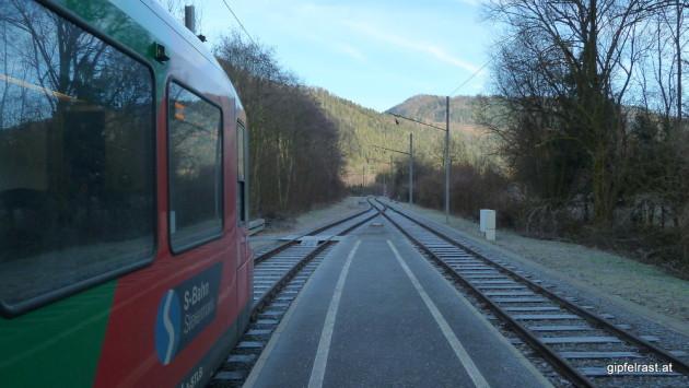 Am Startpunkt: Der Bahnhof von Waldstein