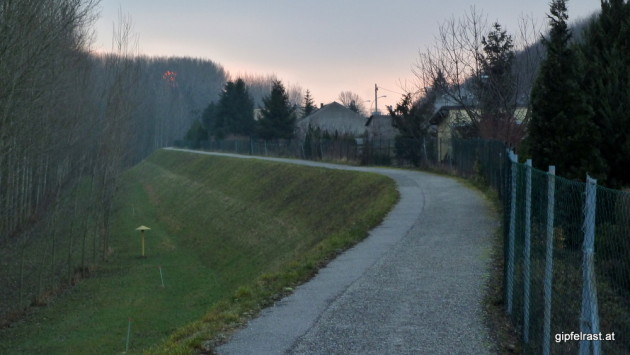 Radweg in Wolfsthal
