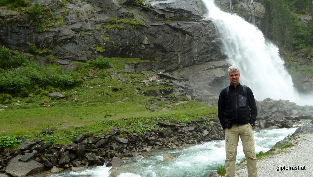 Beim Kürsingerplatz am Fuß des ersten Wasserfalls