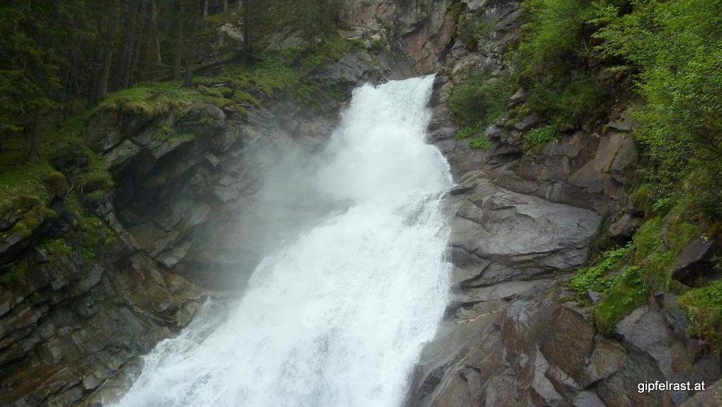 Der obere Teil des ersten Wasserfalls