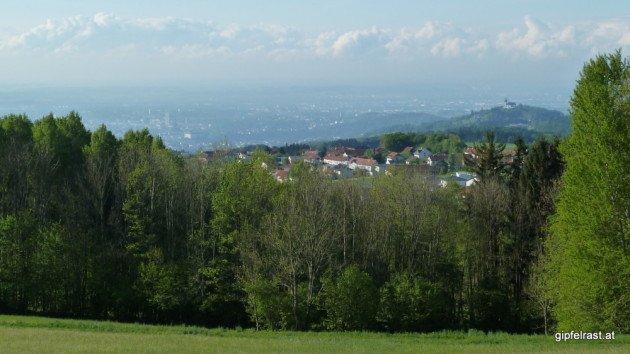 Erstes Foto am zweiten Tag - sonniger Blick auf Linz