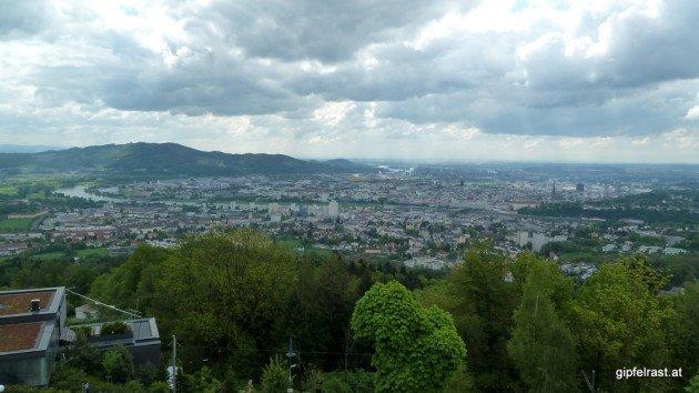 Auf Linz runterschau'n