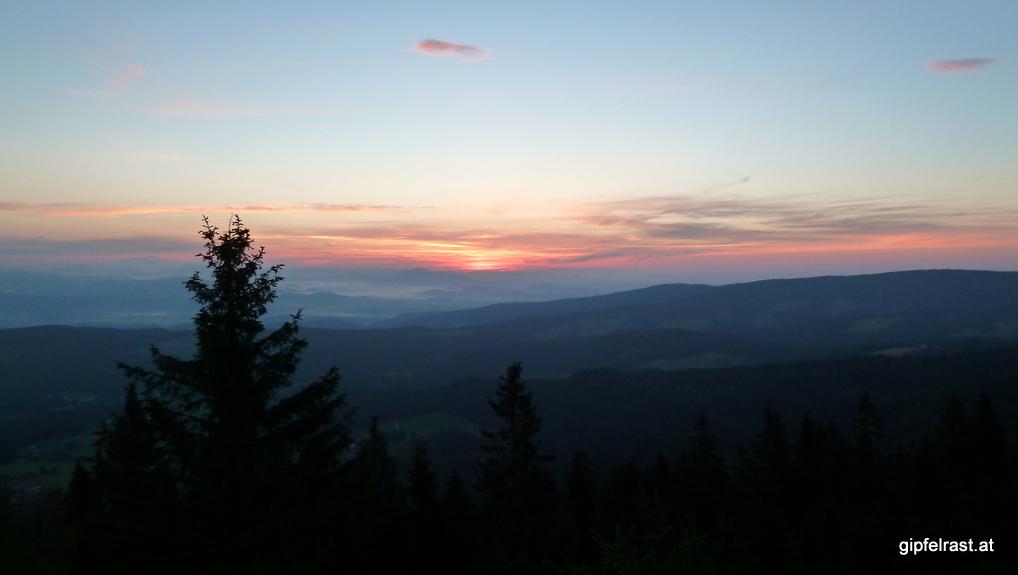 Wenige Minuten vor Sonnenaufgang