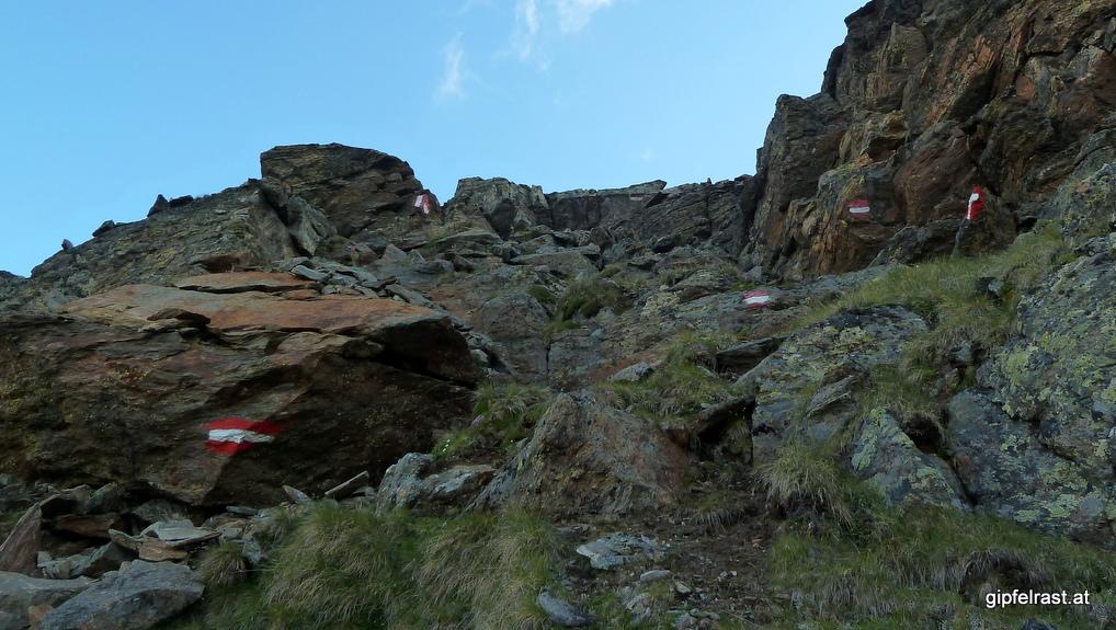 Der steile Abstieg vom Satteljoch