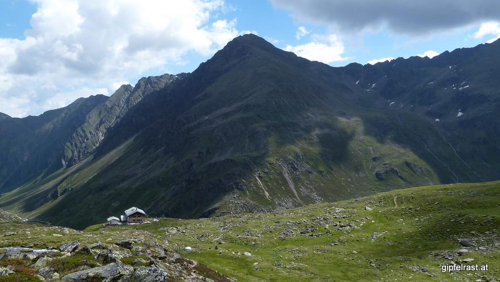 Blick zurück zur Hütte und zum Satteljoch