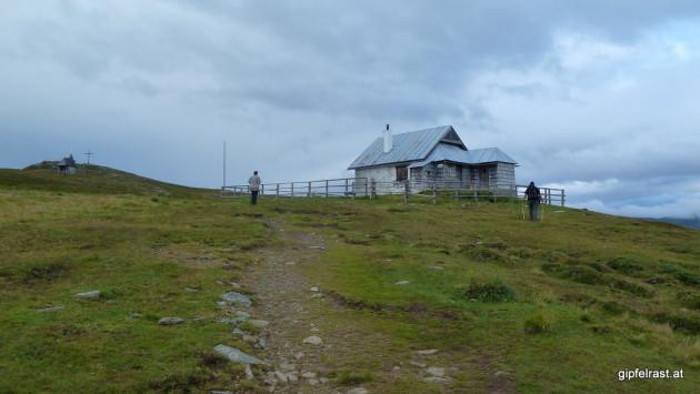 Der Gipfel der Frauenalpe mit der Bernhard-Fest-Hütte