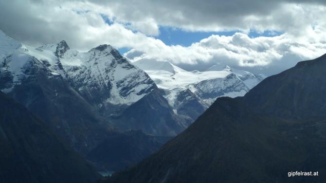 Blick zur Gletscherwelt der Hohen Tauern