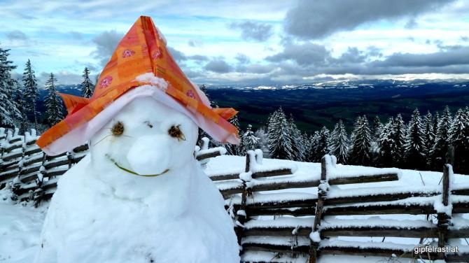 Fröhlicher Schneemann am Masenberg