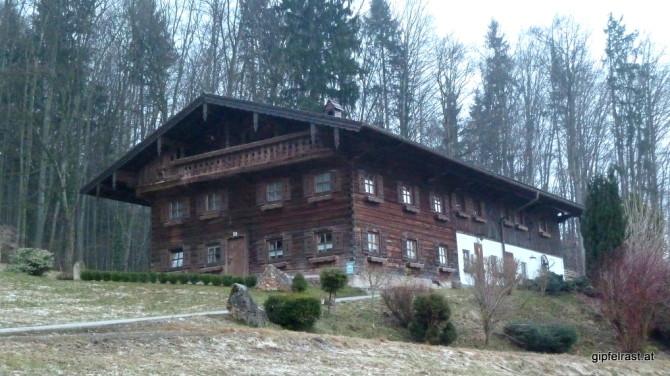 Schönes, altes Haus hoch über Nußdorf