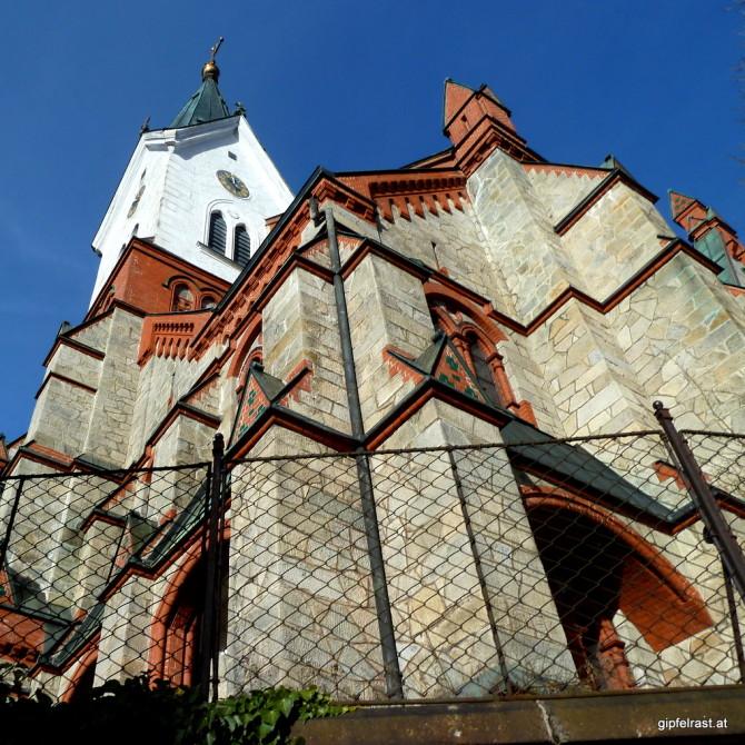 Bescheidene Hütte: Die Kirche von Aigen