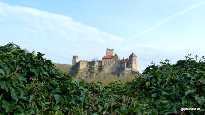 Heute lächelt uns die Burg wesentlich freundlicher zur