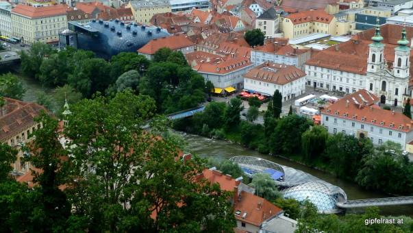 Wir waren einmal Kulturhauptstadt! Kunsthaus und Murinsel sind Überbleibsel von 2003.