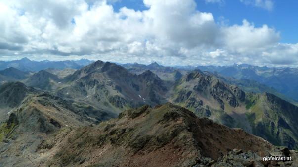 Blick in die Tiroler, Vorarlberger und Schweizer Bergwelt
