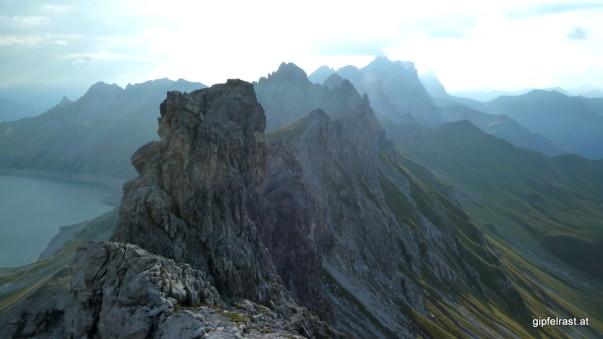 Markante Berge prägen die Grenze zwischen Alpenrepublik und Eidgenossenschaft