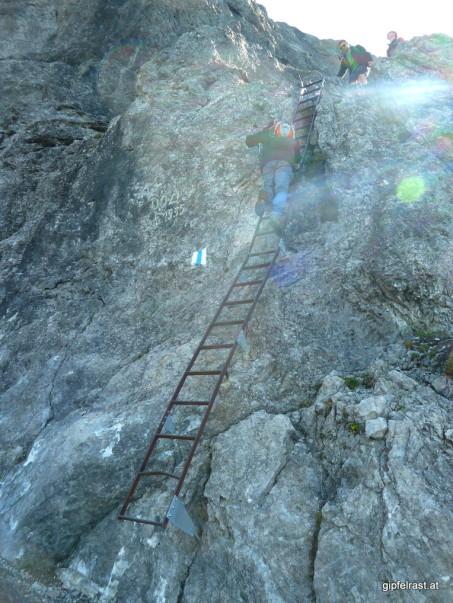 Mag ich gar nicht: Steile Leitern im Abstieg (schon gar nicht, wenn sie am Foto so harmlos aussehen)