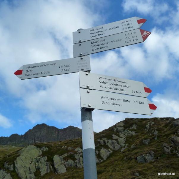 Wegweiser am Wormser Höhenweg