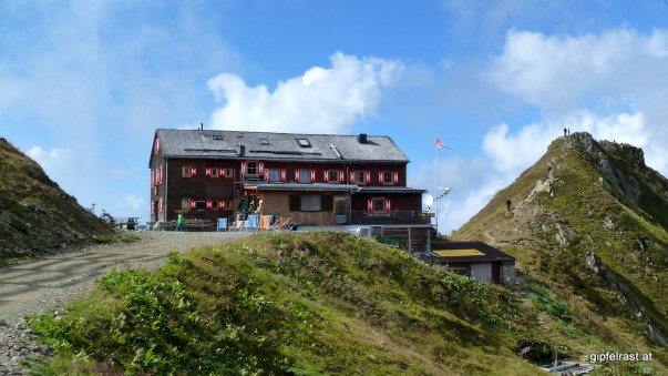Geschafft! Angekommen auf der Wormser Hütte.