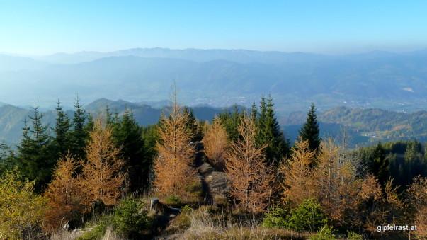 Blick über das Mürztal zur Zöberer Höhe und den Hochschwab