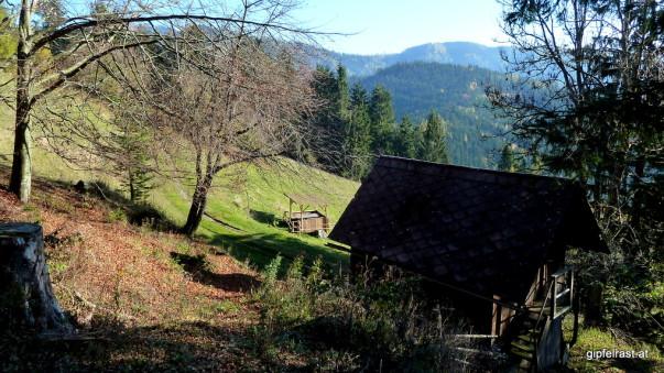 Hütte samt Jausenplatz