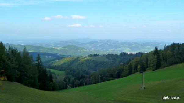 Logisch, dass wir uns diesen Ausblick auf die Südsteiermark nicht entgehen lassen!