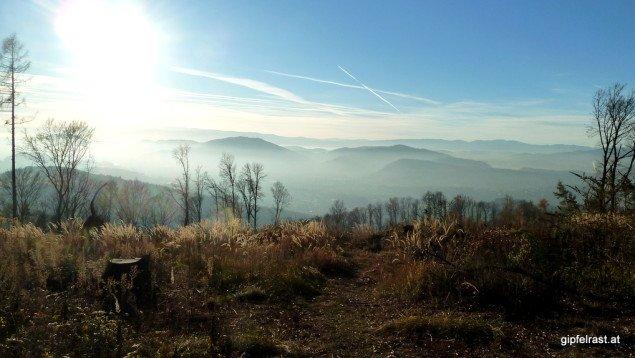Letzter Ausblick vor dem Abstieg ins Tal