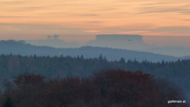 Luftspiegelungen lassen in Slowenien seltsame Berge wachsen