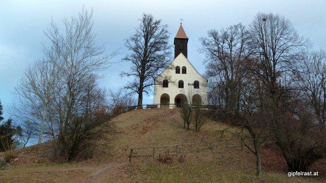 Bei der Kirche St. Johann und Paul