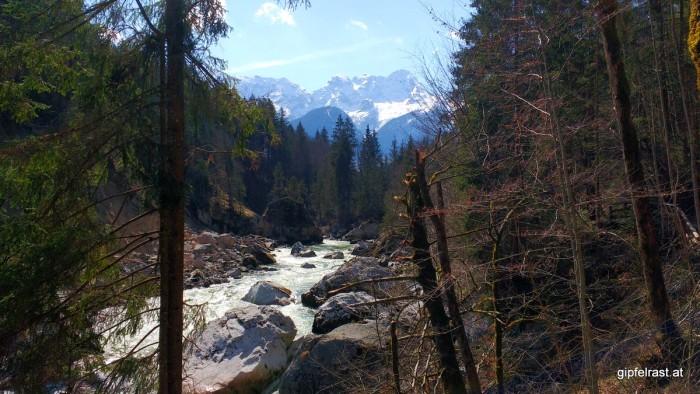 Die Saalach und die Loferer Steinberge
