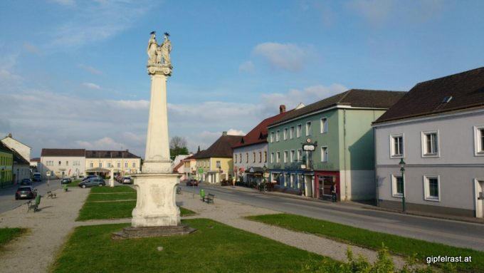 Der Hauptplatz in St. Leonhard am Forst