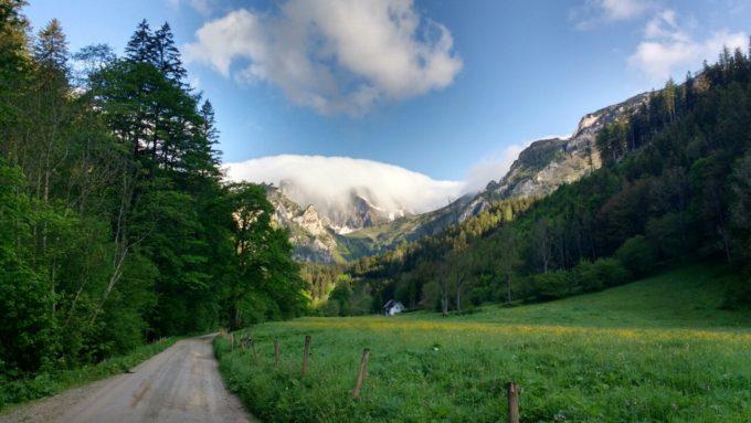 Mein Ziel trägt am Morgen einen dicken Wolkenhut